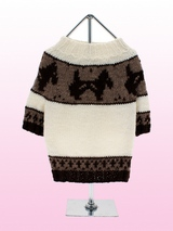 Windsor Wool Sweater - This classic crew neck sweater is knitted from the finest pure wool, hand finished with 'single' cuffs for a clean line and maximum comfort. This garment is fully-fashioned for outstanding durability and shape retention. Another on trend style that is this seasons must have look.