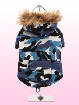 Urban Camouflage Parka - A military style camouflage parka. The hood is trimmed with faux fur, while there is a pocket on the back for those all important treats. The drawstring finishing at the hem can be used to have the perfect fit. To make it easy to take on and off, the underside is fastened with three pop-on pop-off b...